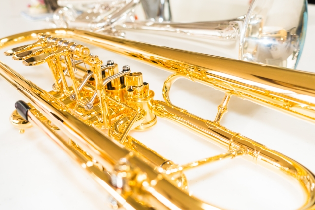 トランペットなど大量の楽器も回収処分いたします